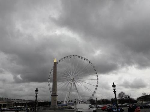 experiente unice la Paris -roata