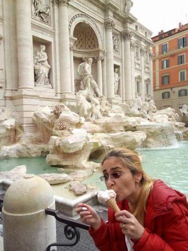 vacanta la roma fontana di trevi 01