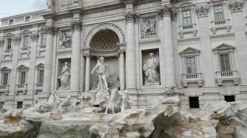 vacanta la roma fontana di trevi 03